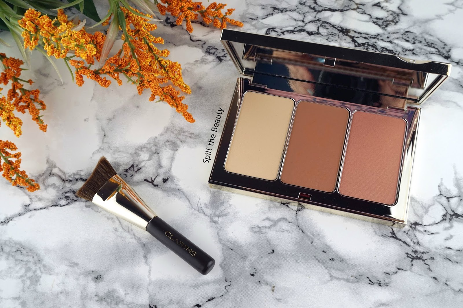 clarins spring 2017 smoky eyeshadow palette face contouring palette 4 colour all in one pen joli rouge lipstick tender nude 31