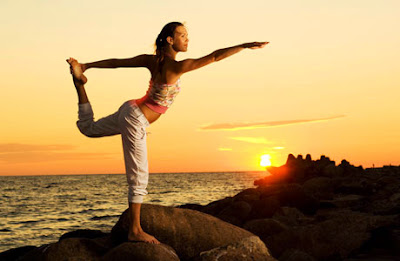 http://4.bp.blogspot.com/-ygDuIC9fLNc/VI4AUO0Cq8I/AAAAAAAAbcg/ekJu5zf840A/s900/ejercicios%2Bpara%2Bel%2Bequilibrio%2Bcorporal.jpg