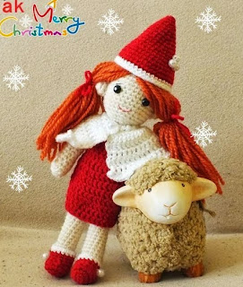 http://www.craftsy.com/pattern/crocheting/toy/yaprak-dess--the-santa/39734