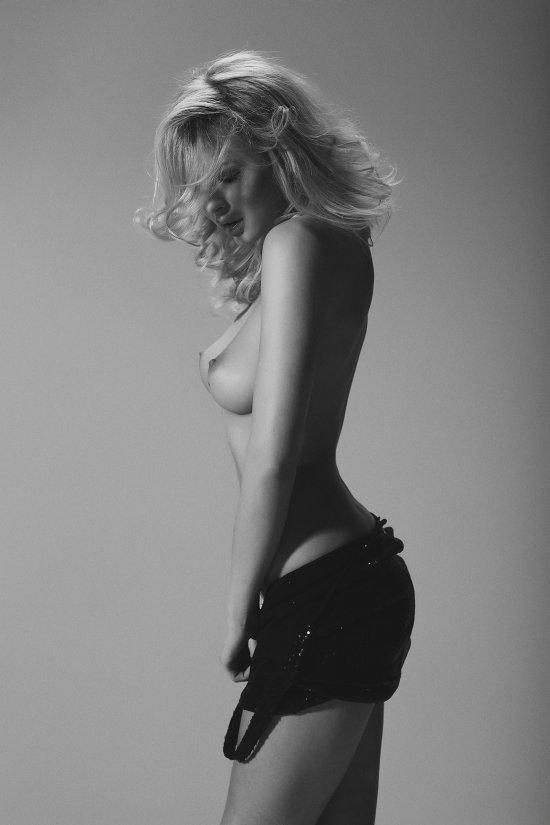 Alberto Buzzanca fotografia fashion mulheres modelos nudez artística sensual provocante preto e branco