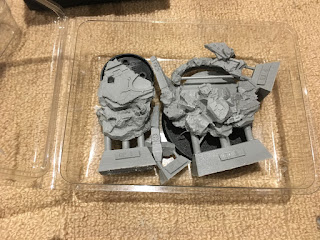 Forgeworld Horus Heresy box open - Russ base