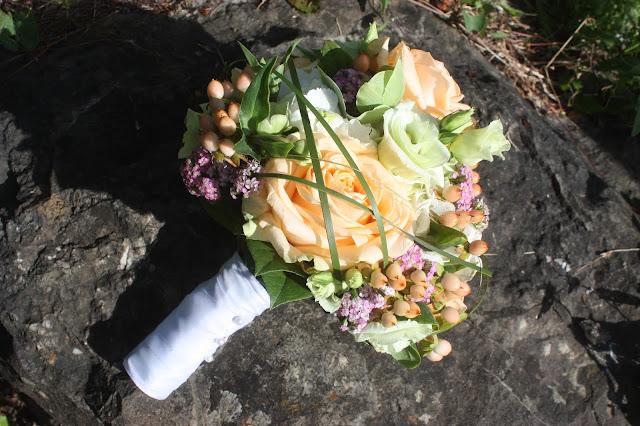 Sommerhochzeit In Apricot Und Rose Hochzeit In Bayern