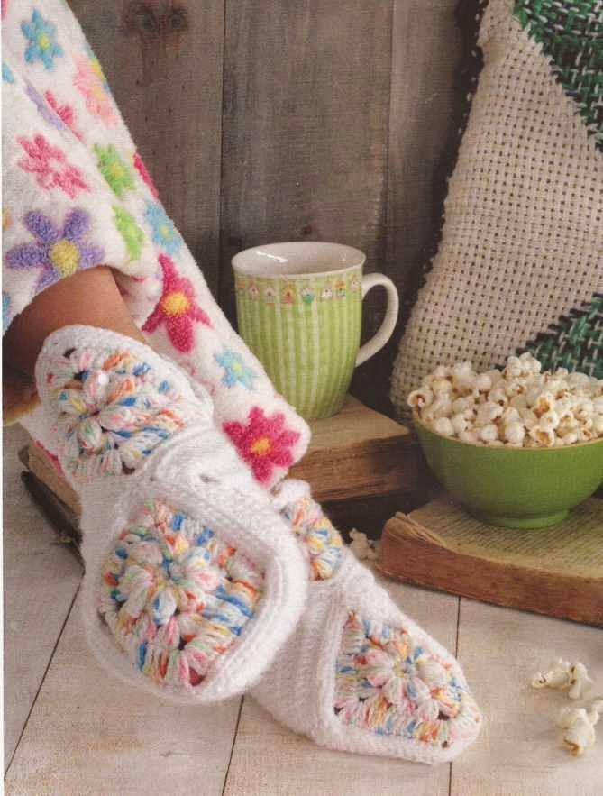 """Zapatos """"Babuchas con cuadros"""" a Crochet"""