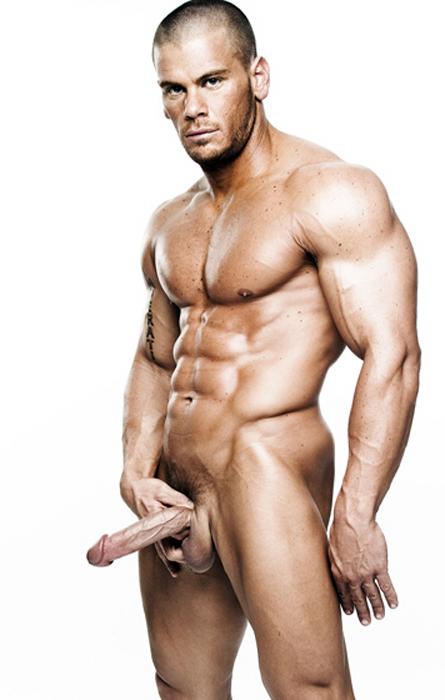 анализировала, голые мускулистые мужики на сцене ребенок скорее всего
