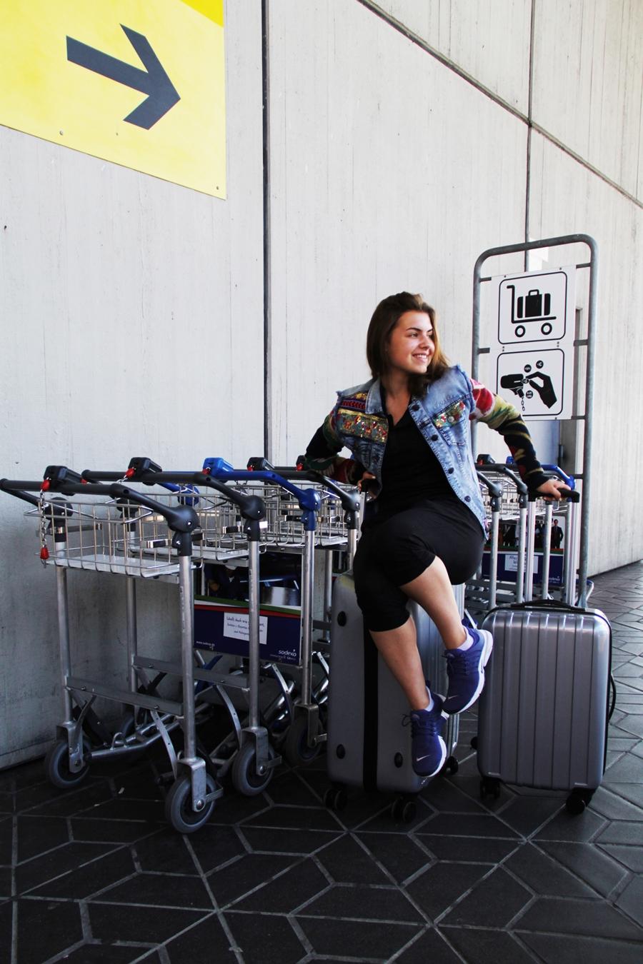 koffer fotoshooting flughafen
