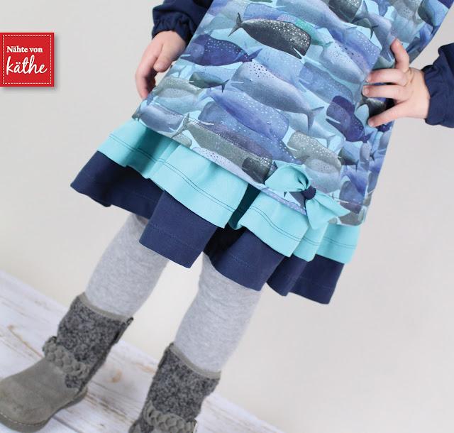 """Kleid Mabel von Feefee mit Ärmelerweiterung aus dem tollen Stoff Whale Story von Lila-Lotta* aus der """"On the open sea""""-Kollektion"""