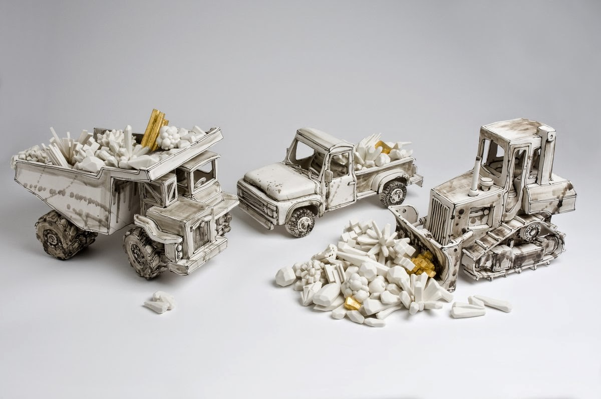 18-Shifting-Diamonds-Katharine-Morling-Porcelain-Sculptures-www-designstack-co