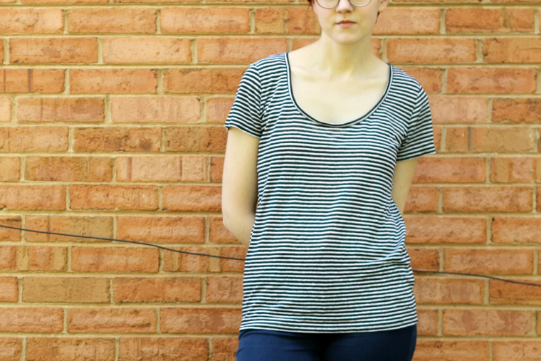 everlane linen scoop neck striped tee review