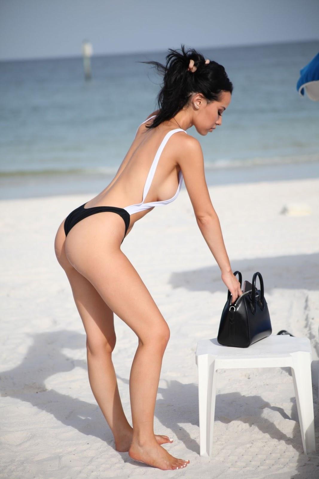 Lisa Opie in Bikini at a Beach in Miami 12/03/2018