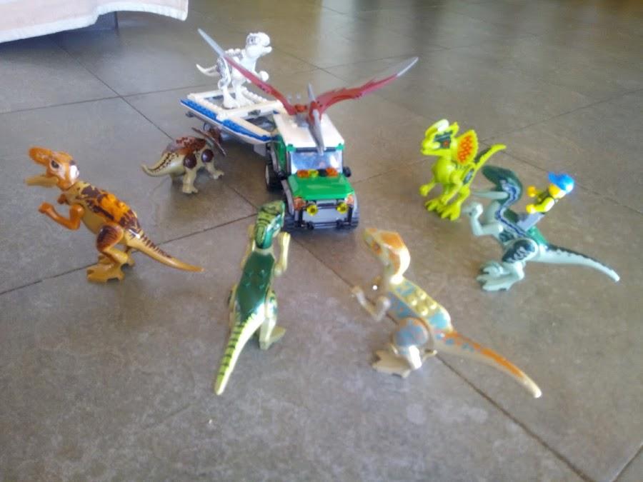 Dinosaurios en piezas Lego