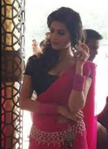 Sonali Raut Family Husband Son Daughter Father Mother Marriage Photos Biography Profile.