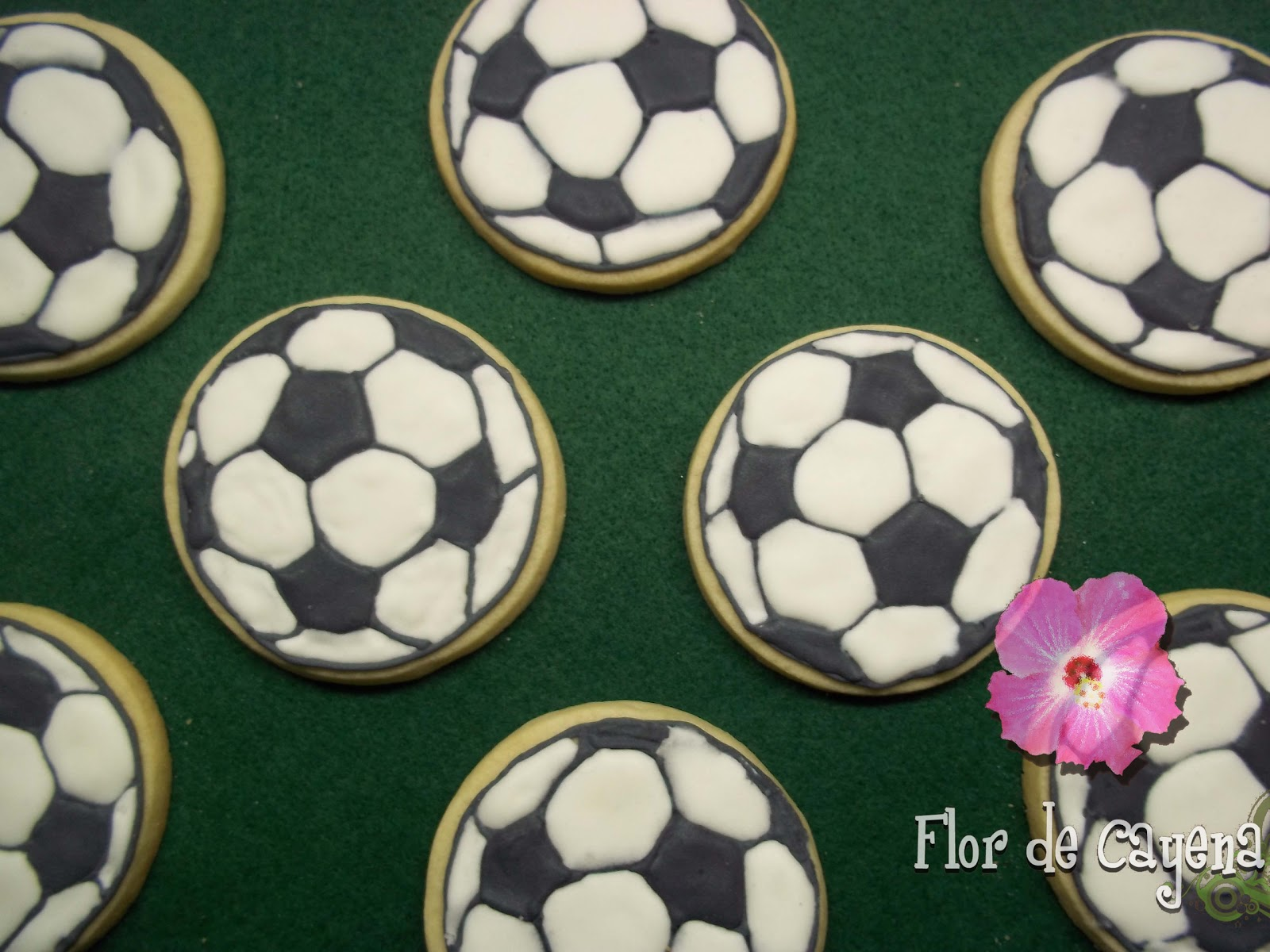 Flor De Cayena Galletas Balon De Futbol