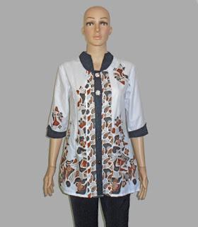 Baju batik wanita lengan 3/4 kombinasi embos - Depan