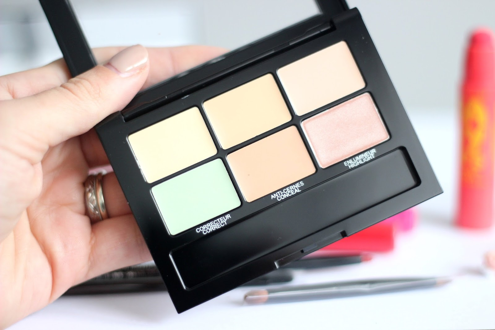 Maybelline Master Camo Colour Correcting Palette in Light