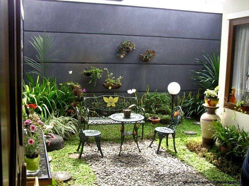 taman minimalis belakang rumah menarik
