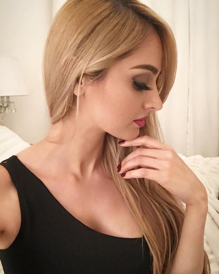 cute arab woman nude