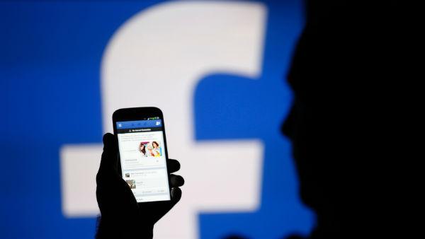 Los vídeos de Facebook se reproducirán automáticamente con sonido