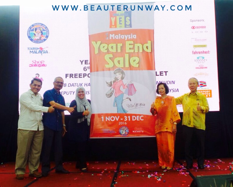 d171748aa47 Deputy Minister of Tourism and Culture Malaysia Datuk Mas Ermieyati  Samsudin officially launched 1Malaysia year end sale 2016 at Freeport  Melaka A'Famosa ...