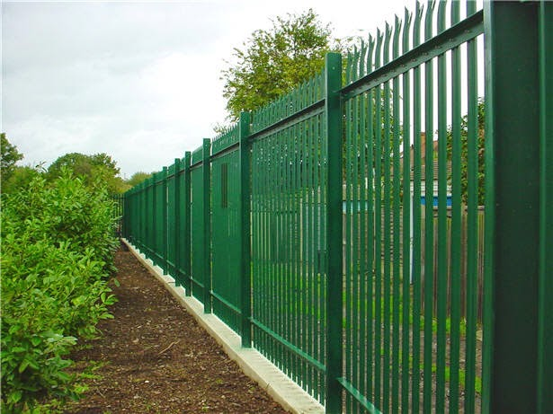 Wasatch Steel: 5 Different Steel Fence Designs for Your