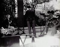 """Чарли Чаплин и Вирджиния Черрилл на съемках """"Огней большого города"""""""