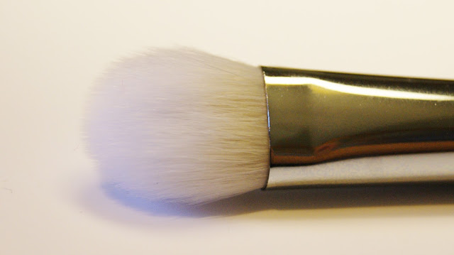 Real Techniques Bold Metals 200 Oval Shadow Brush Bristles