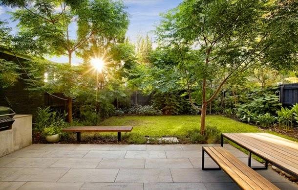 Двор на узком участке, озеленение