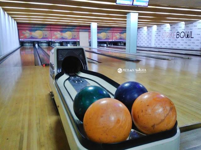 Strike Bowl : Tempat Asik Bermain Bowling di Medan