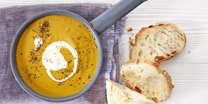 Supa crema de morcovi pentru copii