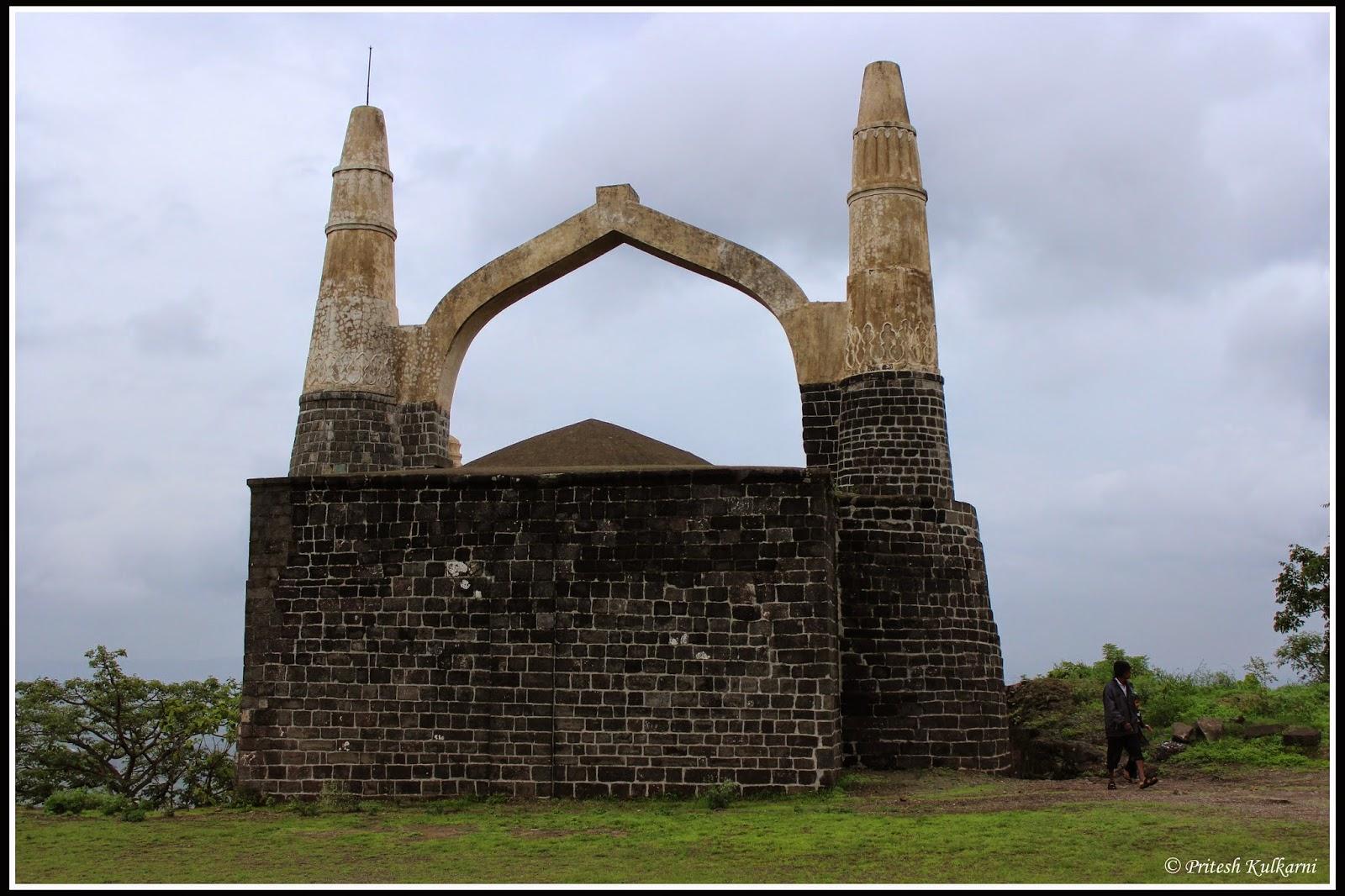 Kamani Masjid