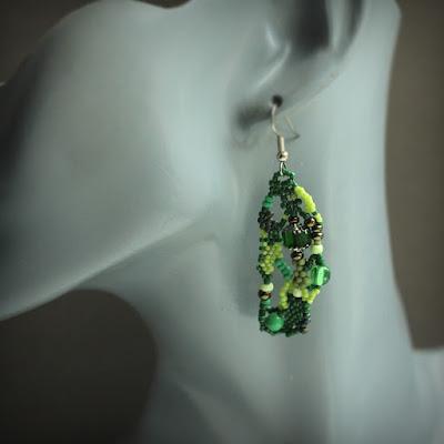 купить серьги к зеленому платью эксклюзивные украшения ручной работы