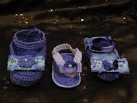 Sapatinhos e sandália de crochê confeccionados por Pecunia MillioM