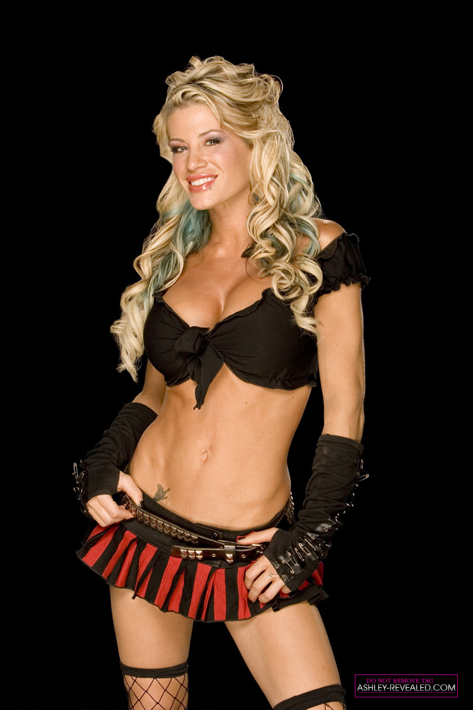 ashley massaro - 530×795
