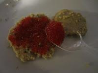 Muffins céréales et graines tartinés d'oeufs de lump