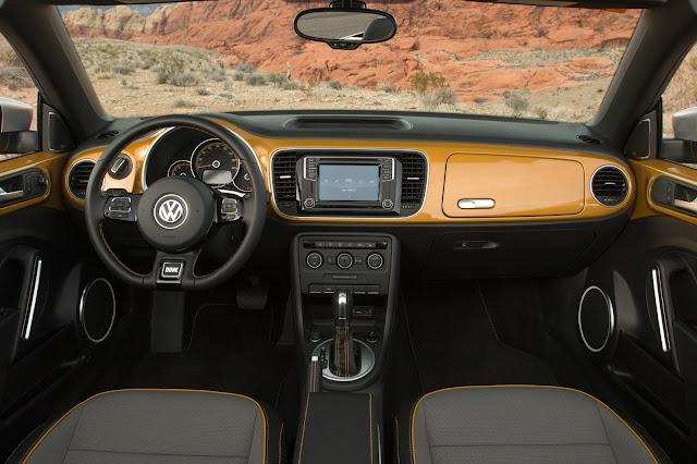 Interior view of 2017 Volkswagen Beetle Convertible 1.8T Dune