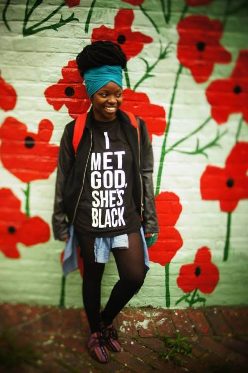 I MET GOD SHE IS BLACK WOMAN tee shirt.  PYGear.com