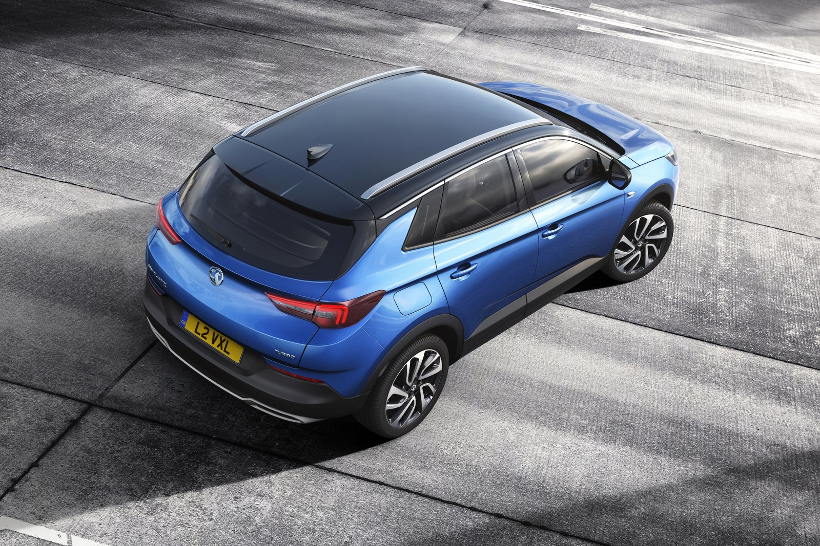 new opel vauxhall grandland x unveiled goes on sale next year. Black Bedroom Furniture Sets. Home Design Ideas