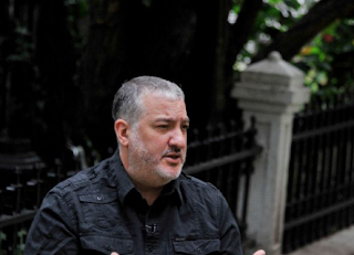 Photographer Tunick Plans Nude Demo Against Trump's 'Hate'