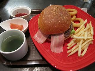 Cafe & Bar Carbs Lunch Menu Hamburger Set ランチメニュー ハンバーガーセット カフェ&バルキャブス 十和田市 Towada City