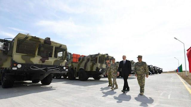 Bielorrusia desoye a Armenia y vendió cohetes a Azerbaiyán