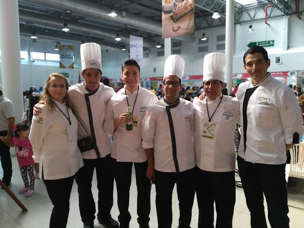 Chefs de la USFQ ganan premio en la Copa Culinaria Raíces