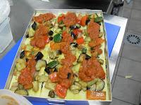 Preparando lasaña de verduras