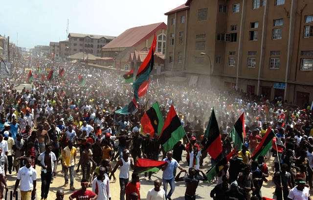 Nnamdi Kanu crowd