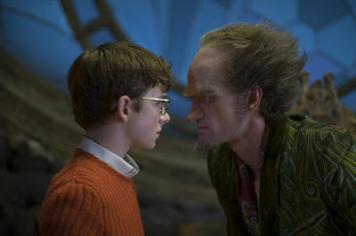 Lemony Snicket's A Series of Unfortunate Events Netflix Neil Patrick Harris and Louis Hynes Image (35)