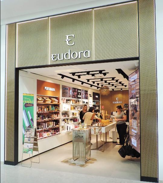 O mix de lojas do Palladium Curitiba ficou ainda mais completo e variado.  Grandes marcas como Eudora 64598c3f137ab