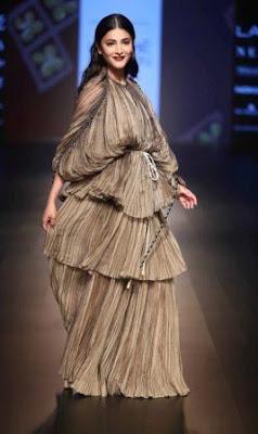 #instamag-saaksha-and-kinni-stuns-with-kaleidoscope-of-fashion-at-lfw-2018