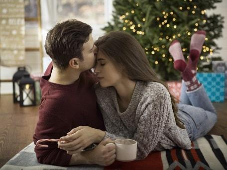 couple image kiss