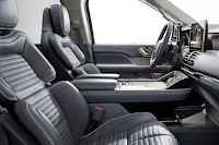 Lincoln Navigator (2018) Interior 1