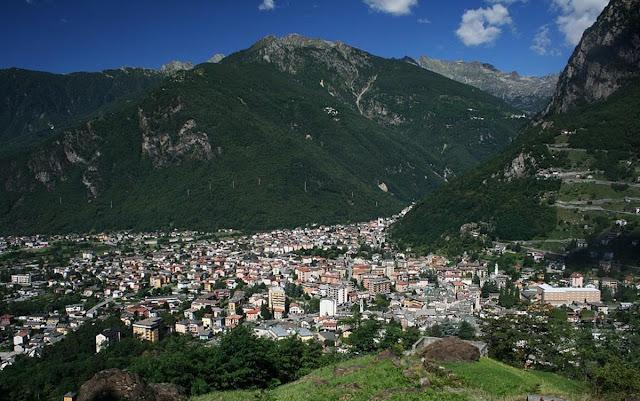 Vista de Chiavenna - Itália