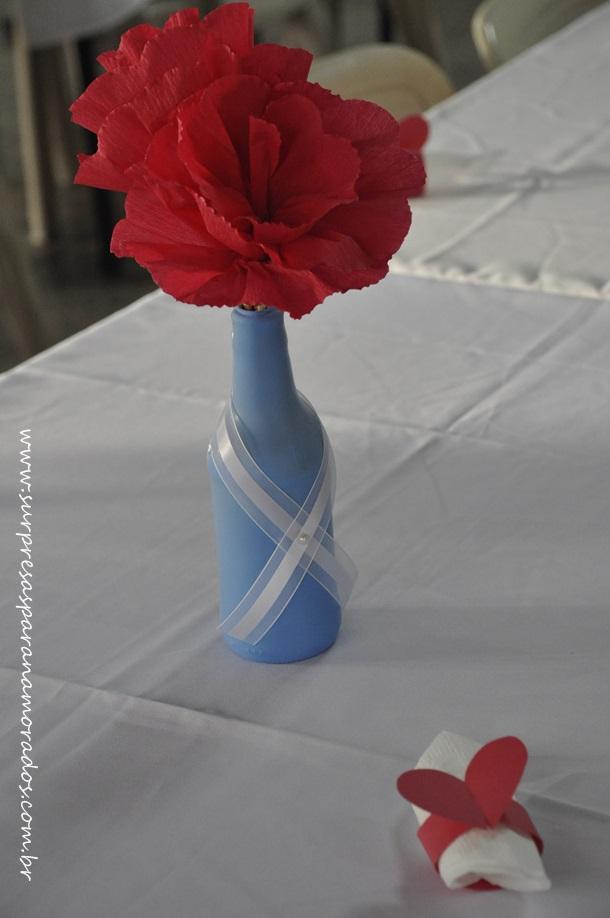 vaso com flor de papel crepom