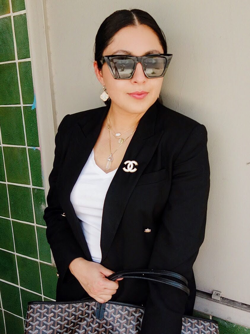 black and white Challenge, Black and White Outfit, mix and match black and white, wearing black and white, how to wear black and white, chanel brooch